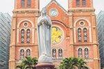 Notre dame de saigon cathedral  ...